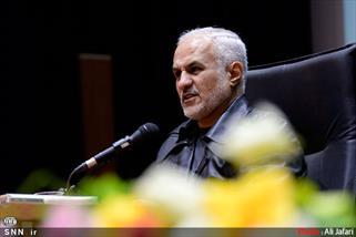 دکتر حسن عباسی: برخی روسای جمهوری ما در لباس روحانیت کار سکولاری میکنند