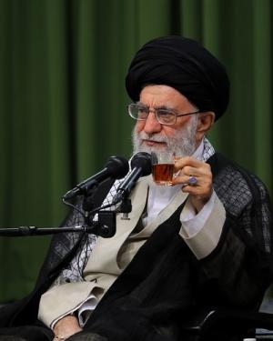 بکوشید شعر فارسی عفیف، حکمتآمیز و امیدآفرین باقی بماند