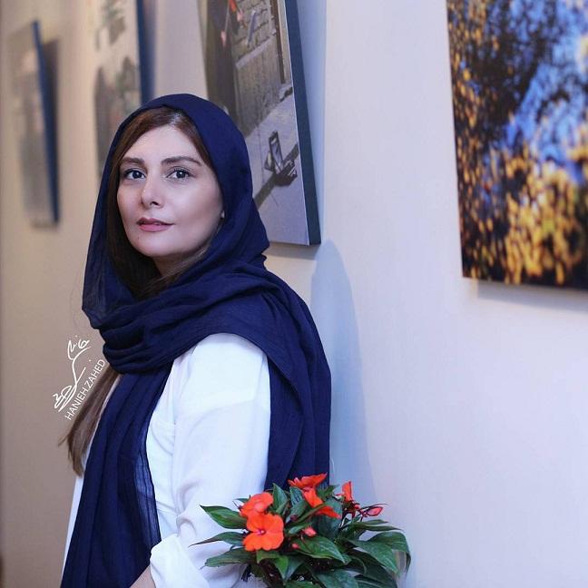 عکس هنگامه قاضیانی در افتتاحیه نمایشگاه عکس یغما گلرویی