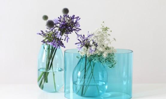 گلدان های شیشه ای آبی رنگ