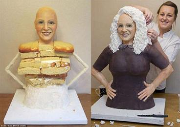 مجسمه ایی از جنس کیک