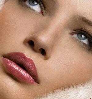 داشتن لب های زیبا با ترفند جالب