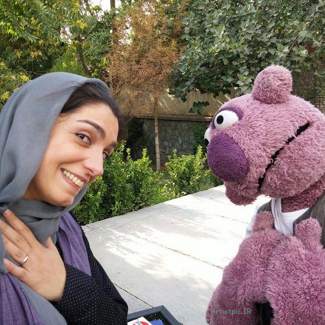 عکس امین زندگانی و همسرش الیکا عبدالرزاقی در پشت صحنه برنامه خندوانه