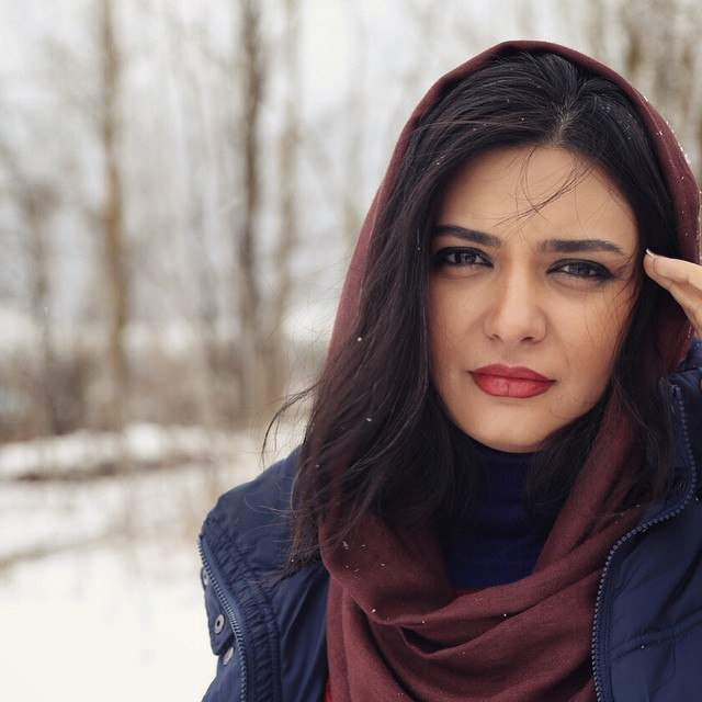 عکس های لیندا کیانی با تیپ زمستانی