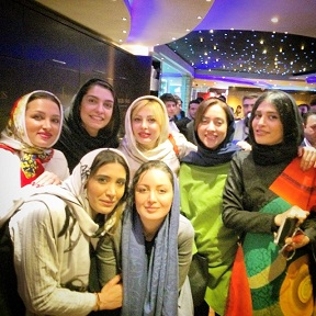 عکس های بازیگران در رستوران طهران پاريس