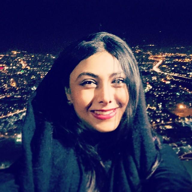 عکس های آزاده صمدی در سی و سومین جشنواره فیلم فجر