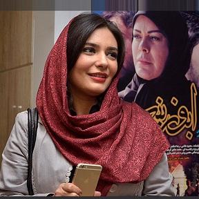 عکس های هنرمندان در حاشیه سی و سومین جشنواره فیلم فجر (5)