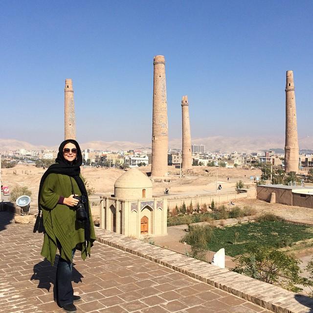 عکس های جدید لاله اسکندری در خارج از کشور