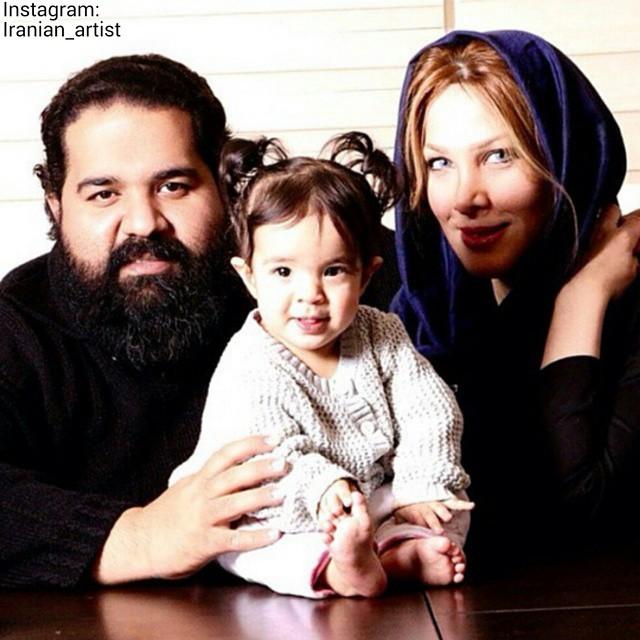 عکس رضا صادقی در کنار همسر و فرزندش