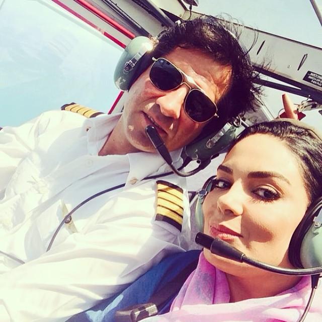 سلفی سارا خویینی ها در کابین خلبان هواپیما