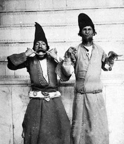 مشهورترین دلقک های ناصرالدین شاه قاجار (عکس)