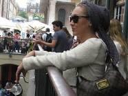 بازیگر مشهور زن بی حجالب در لندن