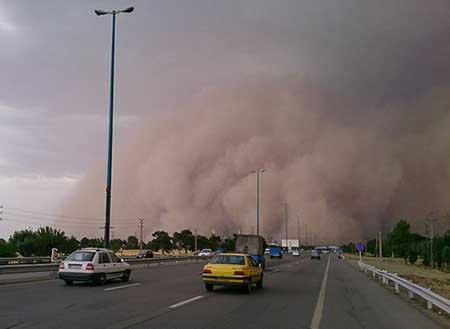 تصاویر طوفان در جاده قم-تهران