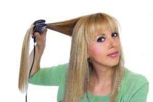 """چند اشتباه رایج در """"اتو کشیدن موها"""""""
