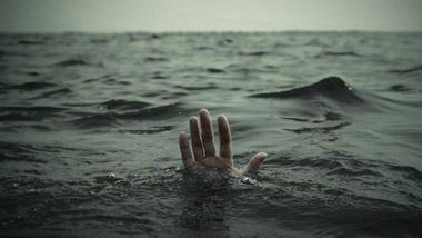 آنکس که مصیبت دید، قدر عافیت را مى داند