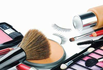 ارتباط سردرد با مصرف لوازم آرایشی!