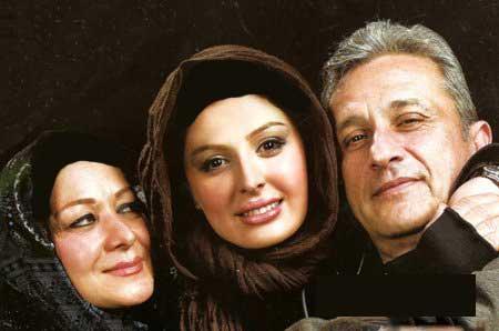 عکسهای نیوشا ضیغمی همراه مادر و پدرش