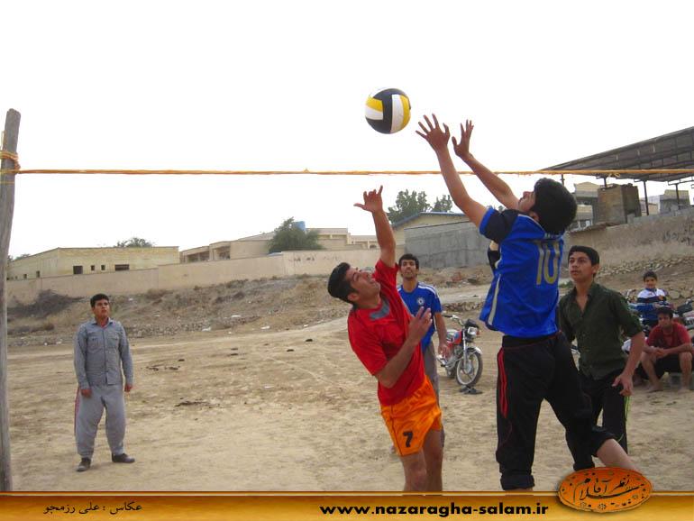 بازی والیبال جوانان نظرآقا در زمین خاکی - یاسین نظرآقایی