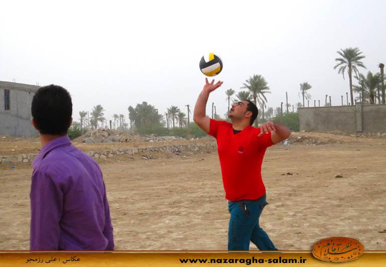 بازی والیبال جوانان نظرآقا در زمین خاکی - پیام بنویی