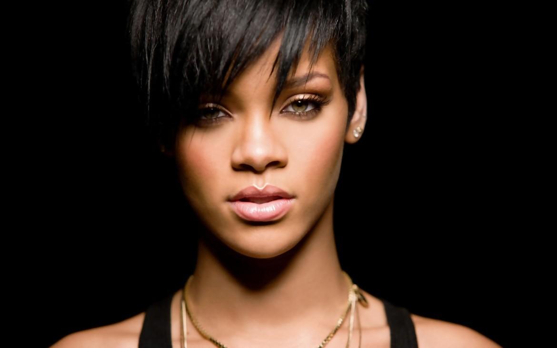متن و ترجمه Diamond از Rihanna