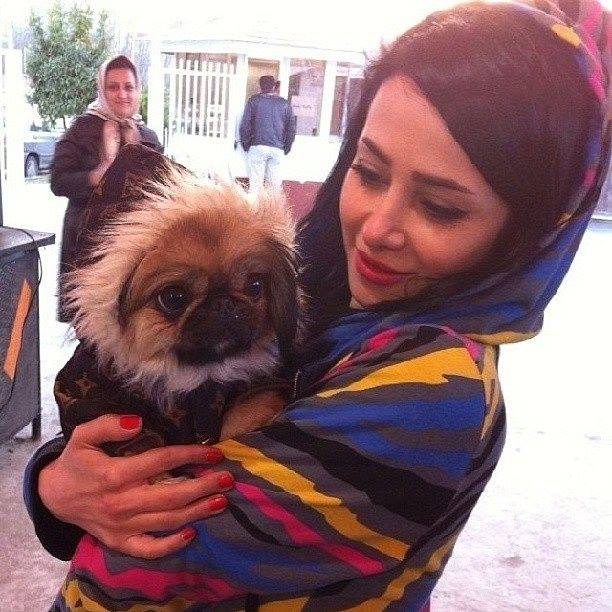 الناز حبیبی و سگش
