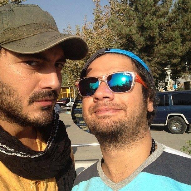 علی صادقی در کنار نیما شاهرخ شاهی