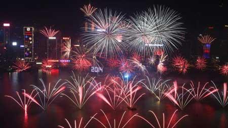 تصاویری زیبا از جشن های سال نو میلادی 2014 در دنیا!
