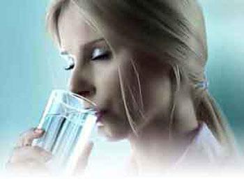 ۶ علامت کمبود آب بدن!