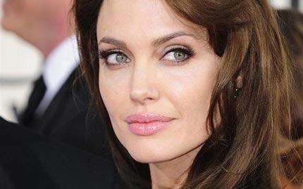 هزینه هنگفت زیبایی آنجلینا جولی جنجالی شد