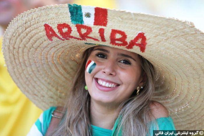 بهترین تصاویر دختران زیبا روی جام جهانی