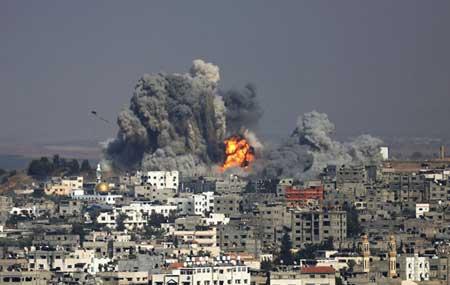 (تصاویر) بمباران خونین یک مدرسه در غزه