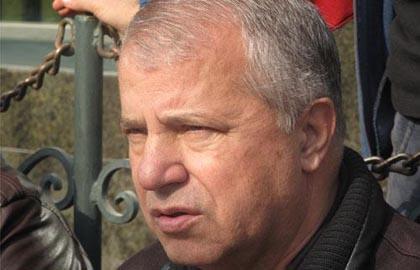 علی پروین ممنوعالخروج شد