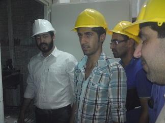 بازدید کارآموزان از پروسه نصب آسانسور ۷