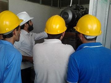 بازدید کارآموزان از پروسه نصب آسانسور ۱۲