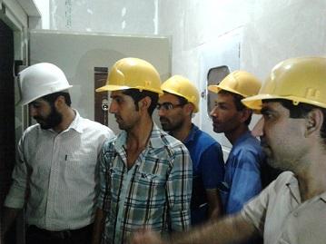 بازدید کارآموزان از پروسه نصب آسانسور ۱۳