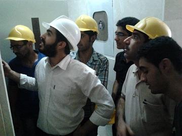 بازدید کارآموزان از پروسه نصب آسانسور ۱۴
