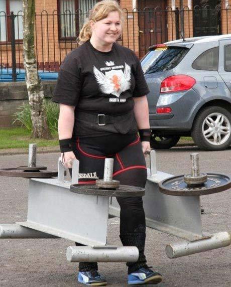 تصاویری از مسابقات زنان آهنین!!