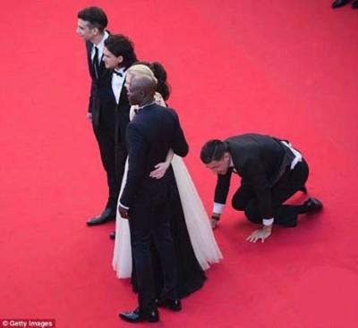 حرکت زشت مرد بی حیا با بازیگر زن مشهور در جشنواره فیلم کن