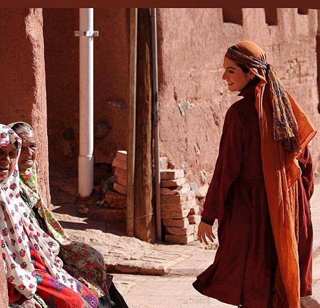 عکس مهناز افشار با لباس محلی