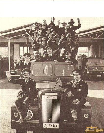 عکسی دیدنی و قدیمی از آتش نشانی آبادان در ۵۷ سال پیش