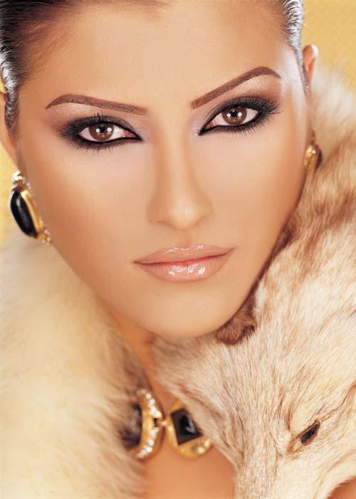 آموزش گام به گام زیباترین مدل های آرایش چشم به صورت تصویری