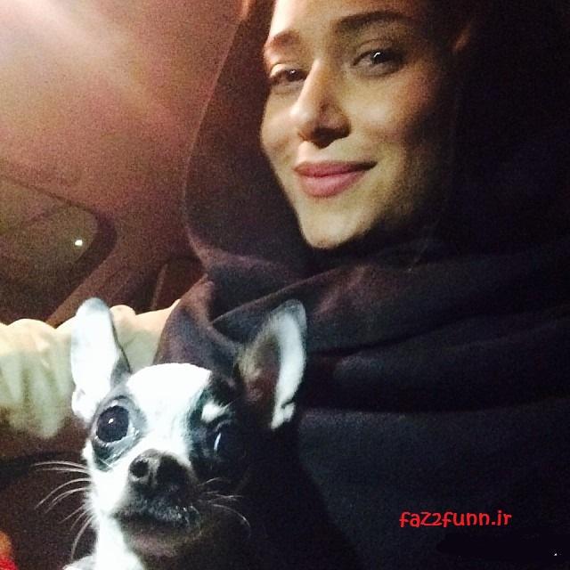عکس جدید پریناز ایزدیار و سگش ادری