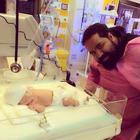 عکس جدید رضا صادقی و دختر تازه متولد شده اش