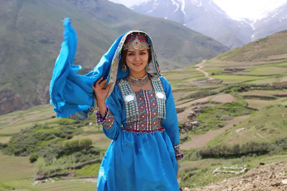 جای پای مرزها روی صورت: تبیین برخورد با قومیتها و سرچشمه سیاسی آنها با تاکید بر افغانهای مقیم ایر�