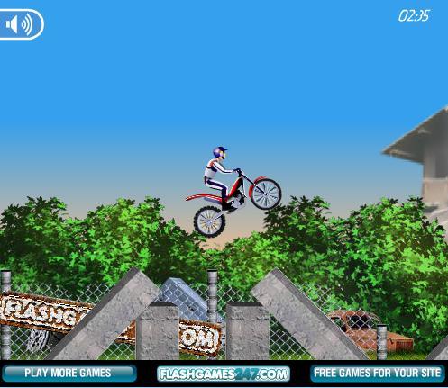 بازی آنلاین موتورسواری در موانع Bike Mina 2