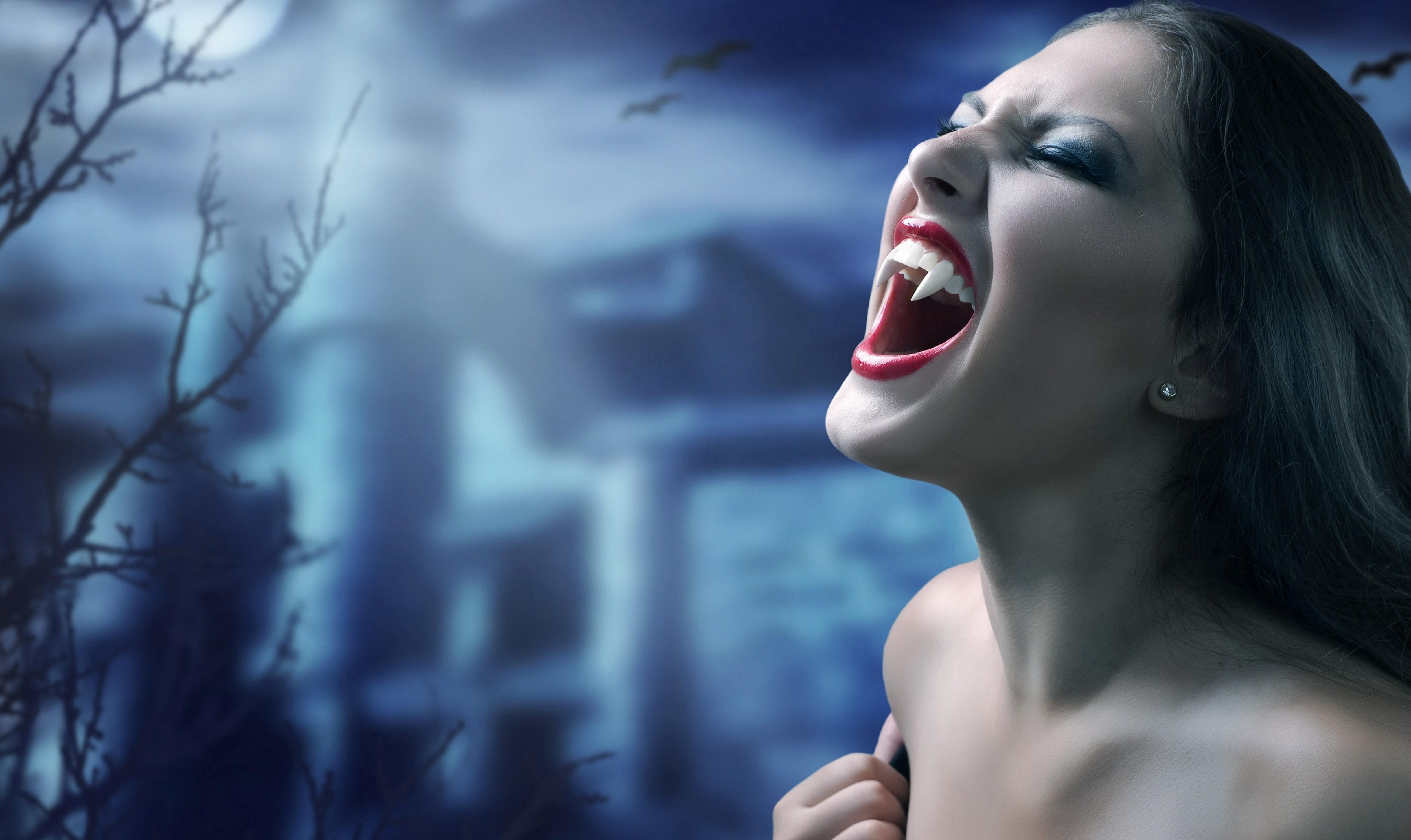 Girls-Horror-Desktop-Wallpapers
