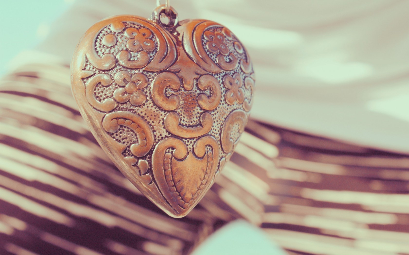 love-pendant-heart-engraved-decoration-hd-wallpaper