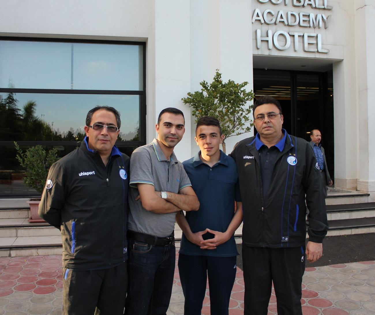 محمد هوتن قلعه نویی به همراه دکتر های باشگاه استقلال