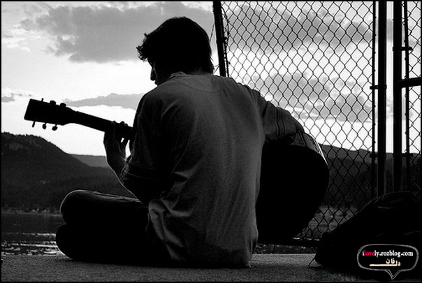 عکس عاشقانه پسر - گیتار