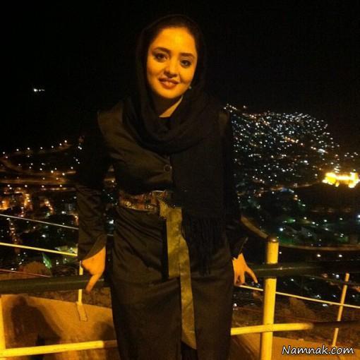 عکس نرگس محمدی در بام تهران